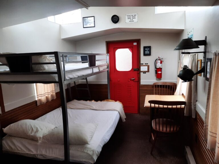 Caboose Front Room (2)